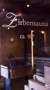 Das-Rieser-Wellness-Österreich-Tirol-Achsensee-Skigebiet-Interior-Schwarz-JoandJudy-Winter-Grau-Minimalismus-München-Bloggerin-Munich-Fashion-Mode-Girl-BeSassique (16 von 31)