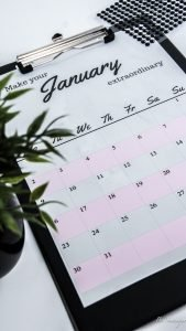Kalender-Calender-Free-Download-Rosa-Grau-Minimalismus-München-Bloggerin-Munich-Fashion-Mode-Girl-BeSassique