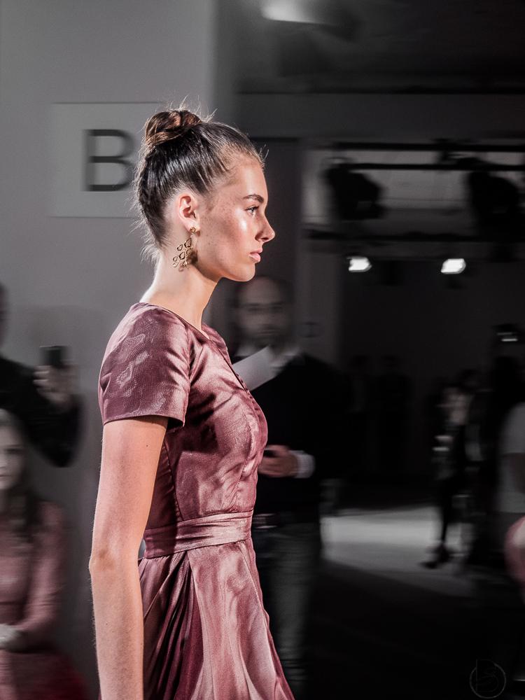 Maisonnoee Fashion Show auf der Mercedesbenz Fashion Week 2017. Fashion Week Tickets und meine Erfahrungen zur den Modenschauen der Fashion Week. Welche Shows sollte man auf der Fashion Week sehen. Coole Fashion Week Sideevents. Model: Celine von Germanys next Topmodel By Be Sassique Modeblog aus München #fashionweek #fashionweekberlin #mbfw #fashionweek 2017 #mbfwberlin2017 #mbfwb