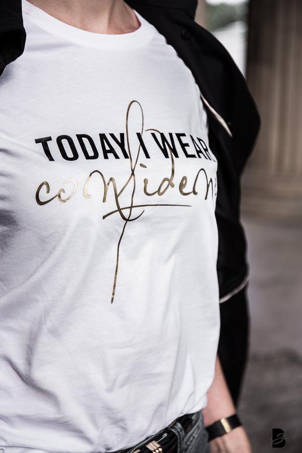 Mehr als nur schön - Modetrend Statement Shirts. 3 Tipps, wie du Statement Shirts mit Bandlogos, großem Branding und frechen Slogans richtig kombinierst. #graphicTees #statementshirtsforgirls + neue Statement Shirt Kollektion der InStyle!