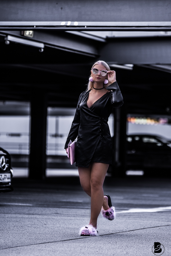 Herbstmode 2017 - welche It-Pieces brauchst du, welche Stoffe sind im Trend und welche Farben machen dich im Herbst zur Fashion Queen? Der ultimative Herbst Trendguide für 2017: von 5 It-Pieces, die du jetzt unbedingt in deinem Kleiderschrank brauchst über die 5 Trendfarben des Pantone Fashion Color Report bis hin zu 5 absoluten Trend - Stoffen und Mustern.