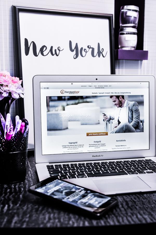 Der ultimative Money Help Guide mit der Ferratum Bank - wie du mit Online Banking deine Vorweihnachtszeit besser organisierst. Geld per SMS überweisen, Girokonto, Tagesfestgeld, einfache Dispokredite und vieles mehr.