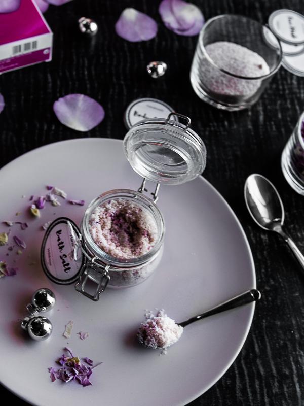 Anleitung für 3 Beauty DIY Weihnachtsgeschenke für den perfekten Home SPA inkl. free Printables DIY Body Scrub Peeling, DIY Badesalz, DIY Gesichtsmaske. by Beautyblog Be Sassique