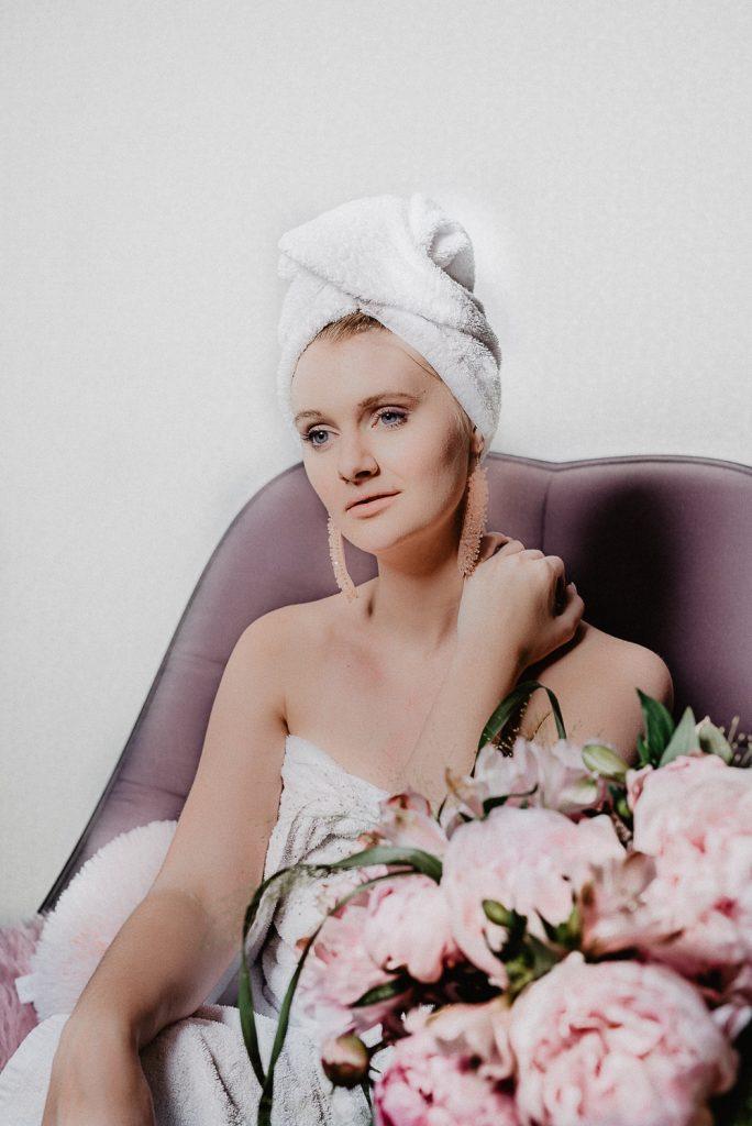 Mit diesen 5 Selbstbräuner Hacks bekommst du den perfekten, natürlichen Sommerteint inkl. tolle Selbstbräunertest: Welches Produkt kann was und was passt zu welcher Haut? Klicke auf Be Sassique, deinen Beautyblog aus München, für mehr.