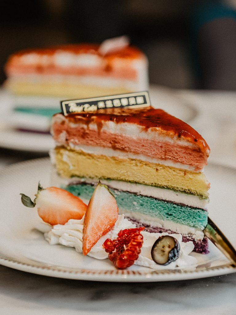Mailand Foodguide. An diesen Orten gibt es die ausgefallensten Leckereien in Mailand. Vom pinken Cafe über Cupcakes bis zu bunten, gegangen Burgern, - das sind die Top 5 Foodspots in Mailand. By Travelblog Be Sassique