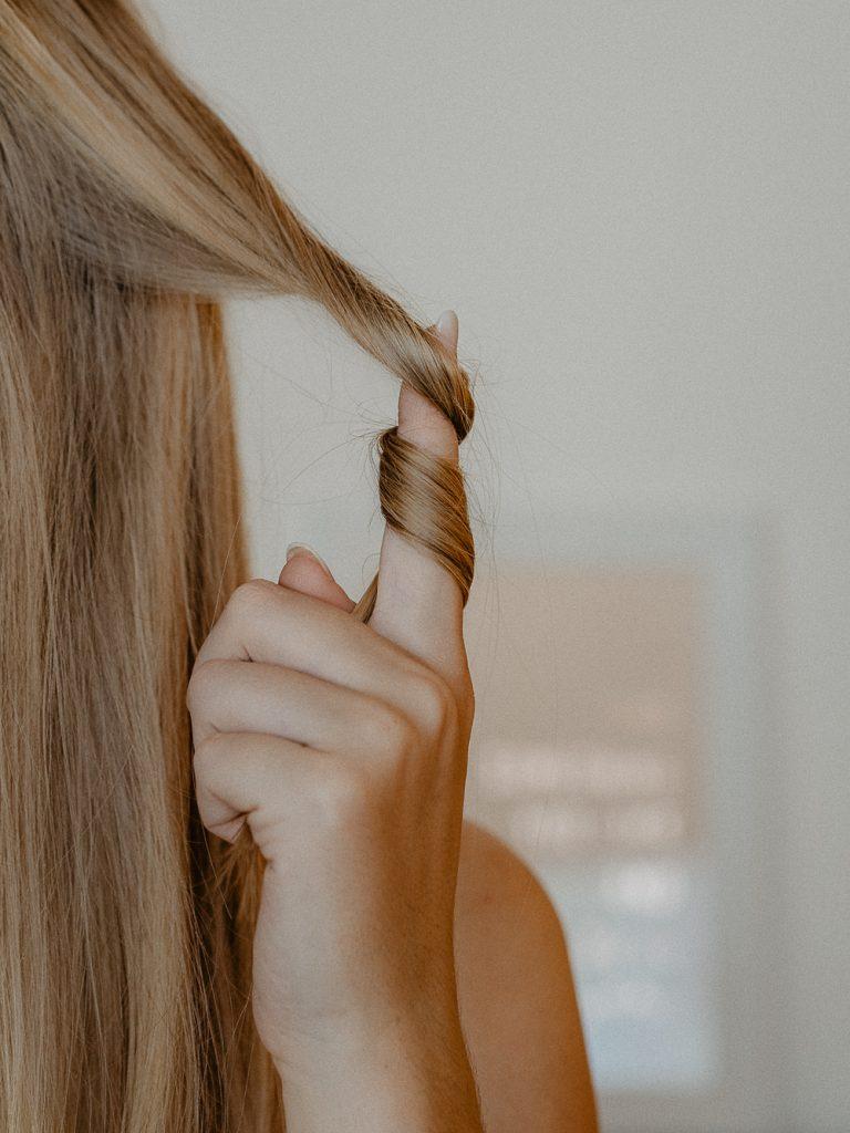 Wir verraten schon jetzt die Frisuren-Trends 2019: Was sind die schönsten Haarschnitte, was die trendigsten Haarfarben in 2019? Wir haben einen Haarexperten befragt!