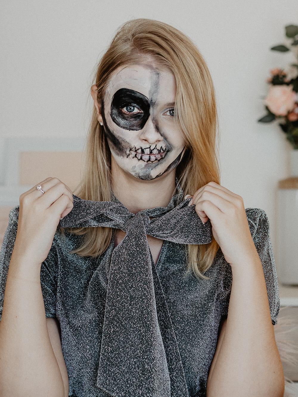 Halloween Schminke Deutsch.Half Skull Halloween Makup Tutorial Mit Drogerieprodukten Halloween Schminken Einfach Anleitung Deutsch Besassique Beautyblog Muenchen 2 Von 7 Be Sassique